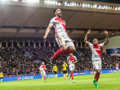 Falcao dans le New Jersey contre l'Argentine
