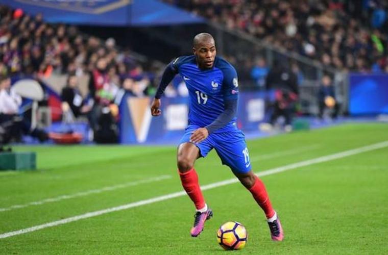 Djibril Sidibé sélectionné en Équipe de France