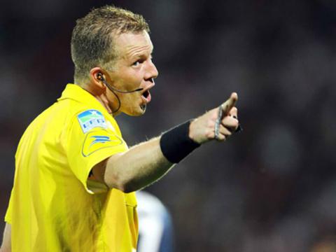 Olivier Thual au sifflet contre Amiens SC