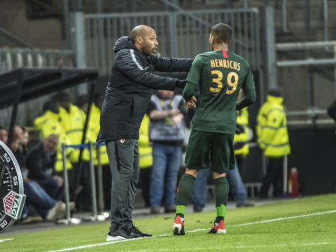 "Thierry Henry : ""Ne pas s'enflammer"""