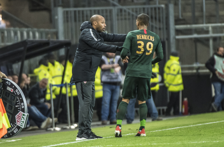 """Thierry Henry : """"Ne pas s'enflammer"""""""