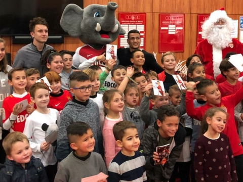 KIDS members Celebrate Christmas