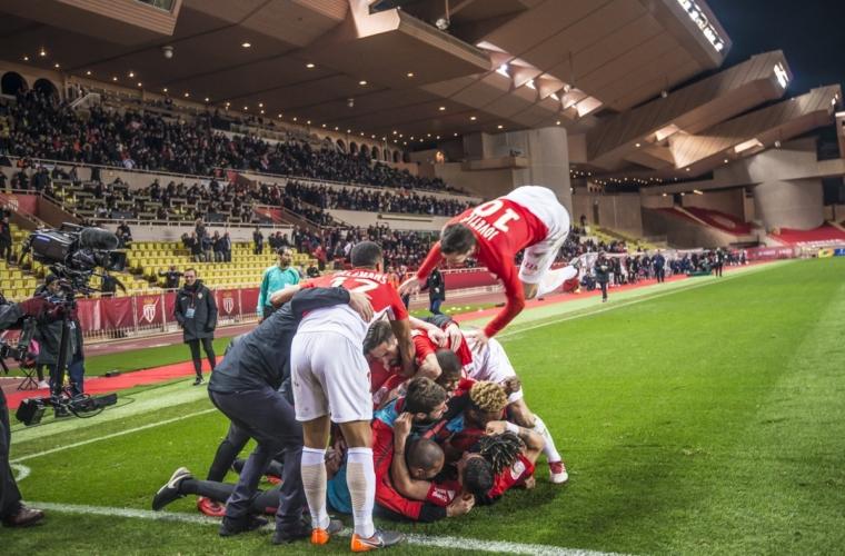 Retrô 17/18: a louca 'remontada' contra o Lyon