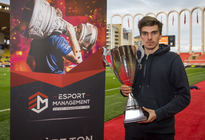 Max Grd remporte le 1er tournoi Esport-Management / AS Monaco