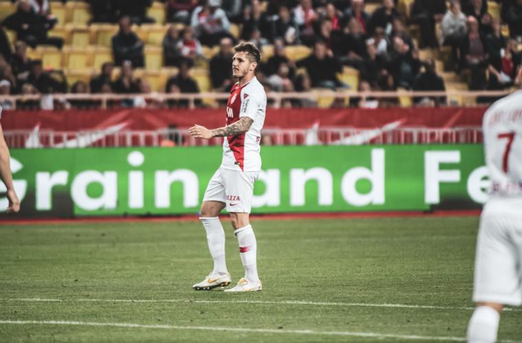 Fim de temporada para Stevan Jovetic