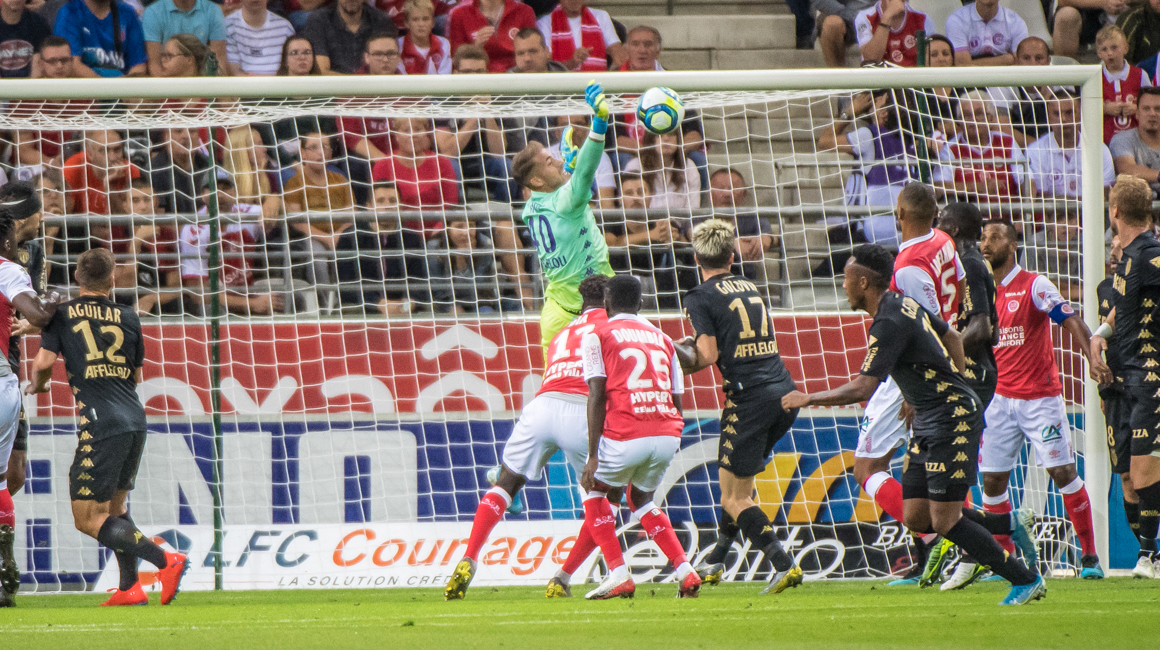 Lecomte impresses in his 200th match in Ligue 1