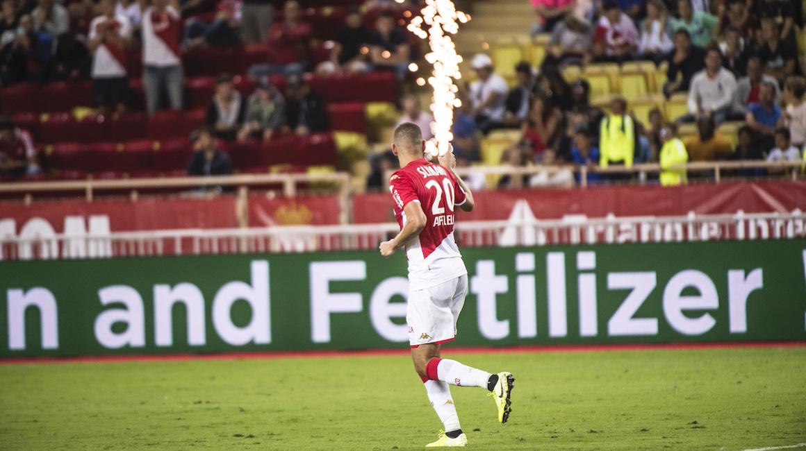 Slimani, goleador con Argelia