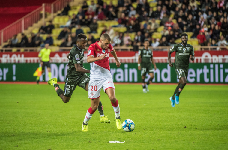 Slimani increases his lead, Ben Yedder still ahead