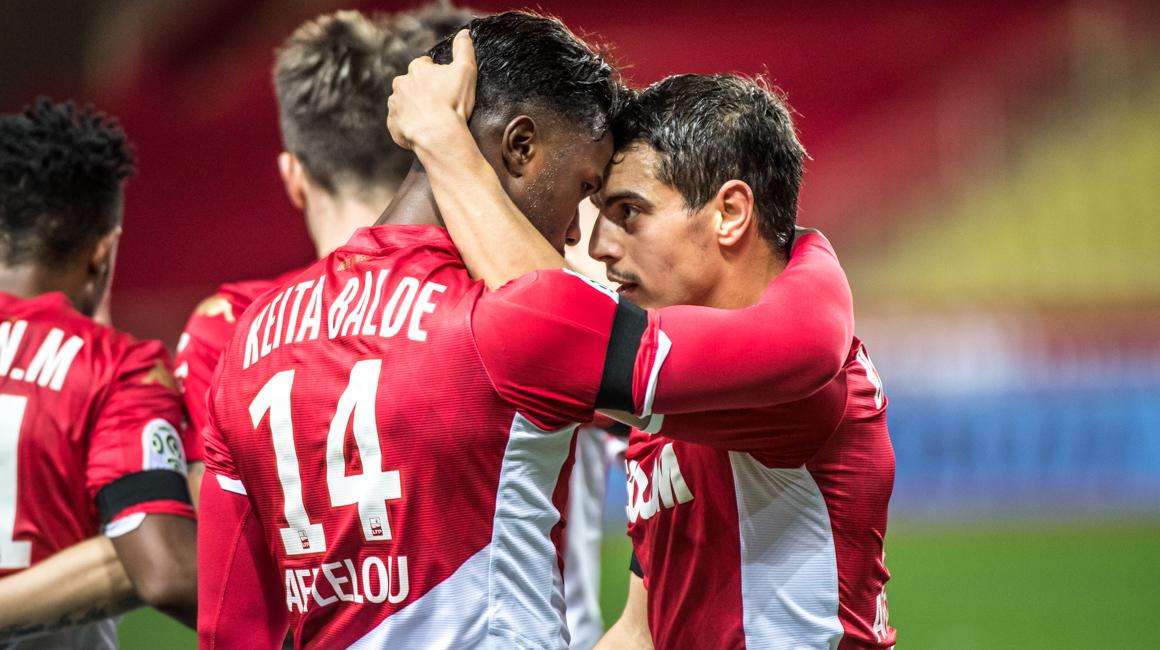 Le 11 rouge et blanc contre Lille