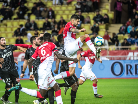 Premier but rouge et blanc pour Guillermo Maripán