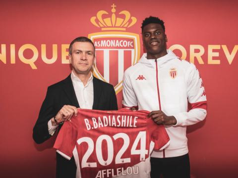 Benoît Badiashile extendió su contrato hasta 2024