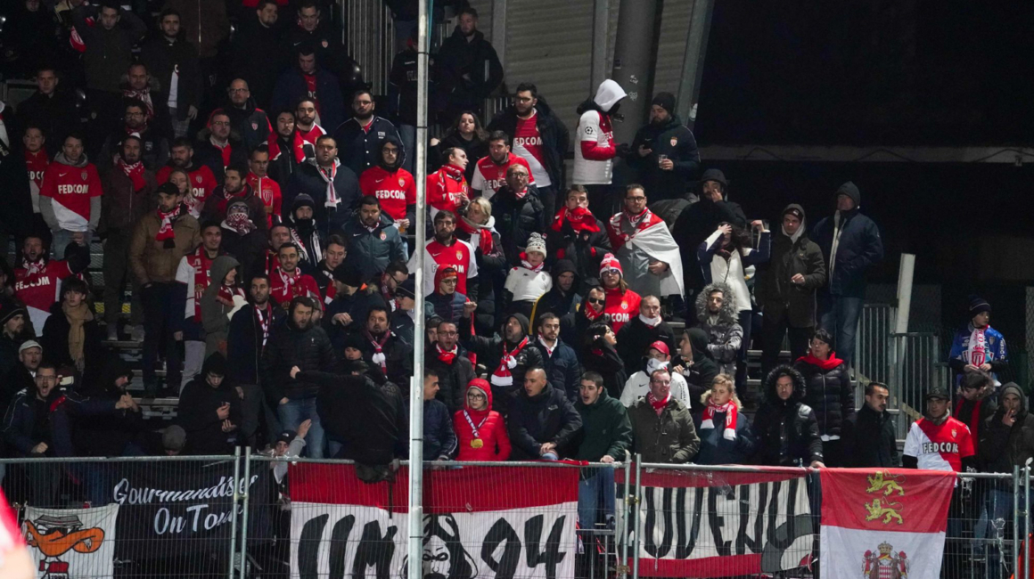 400 supporters rouge et blanc à Angers