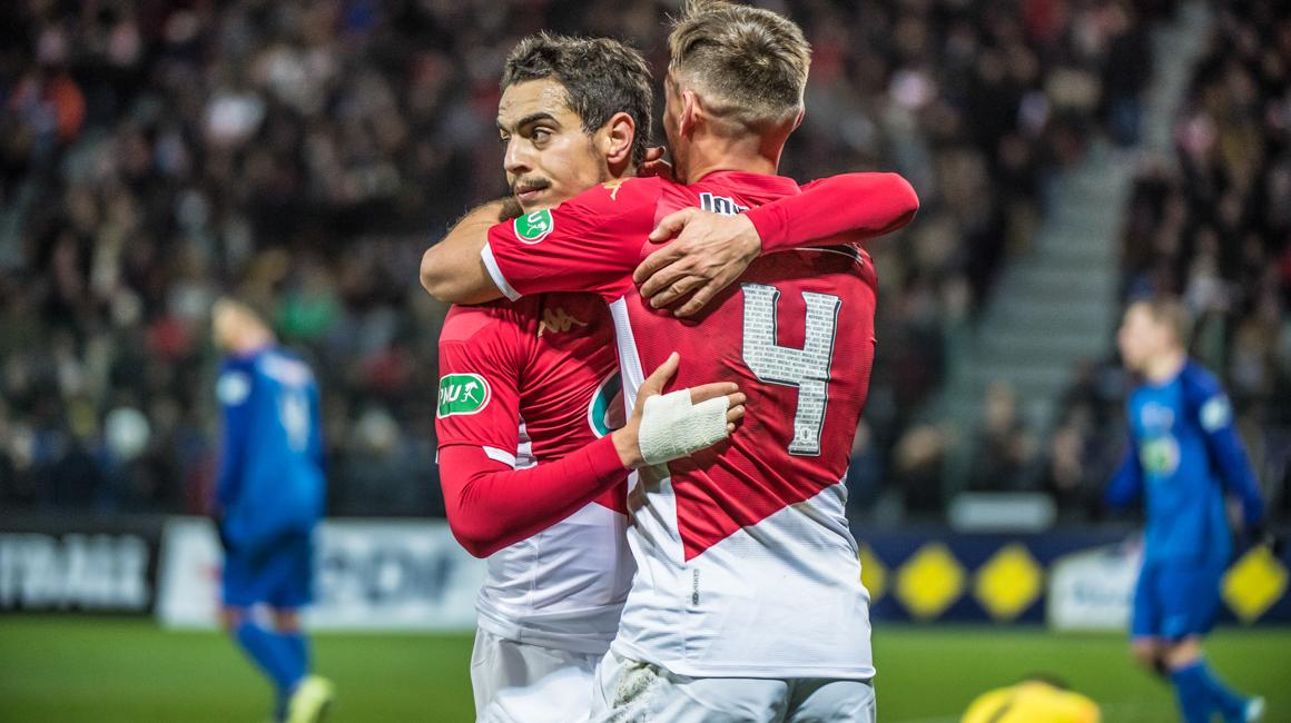Los tres goles contra St-Pryvé/St-Hilaire vistos desde la cancha