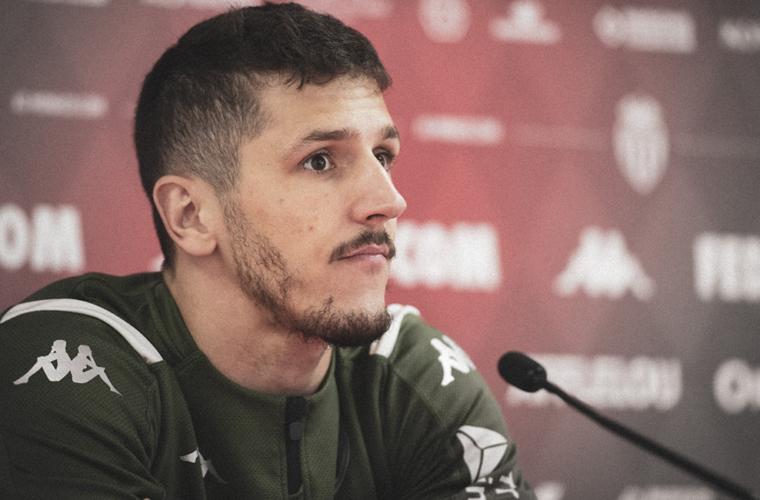 "Stevan Jovetić: ""Um homem feliz"""