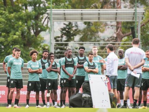 Le groupe face au Standard de Liège