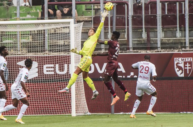 Benjamin Lecomte MVP contra Metz