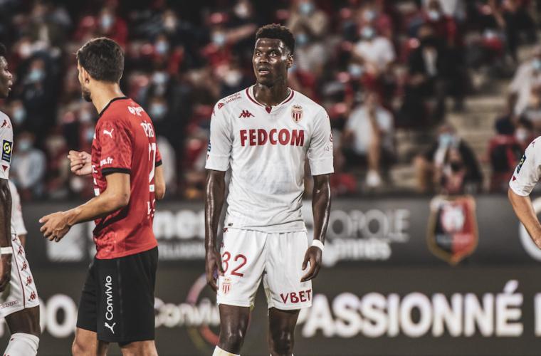«Монако» уступает в концовке матча