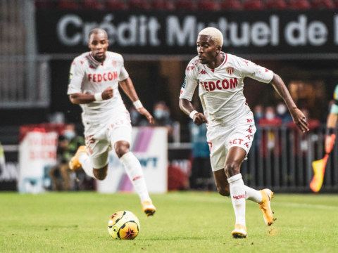 Henry Onyekuru cedido a préstamo al Galatasaray