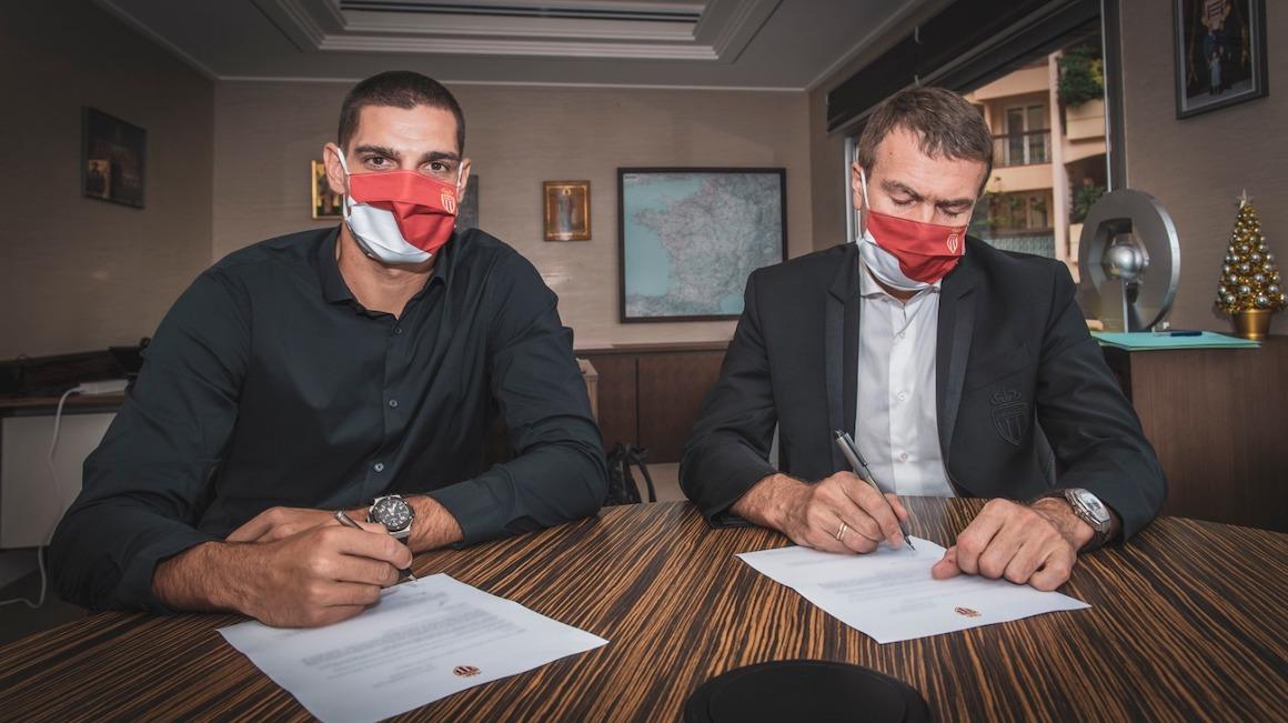 Vito Mannone joins AS Monaco