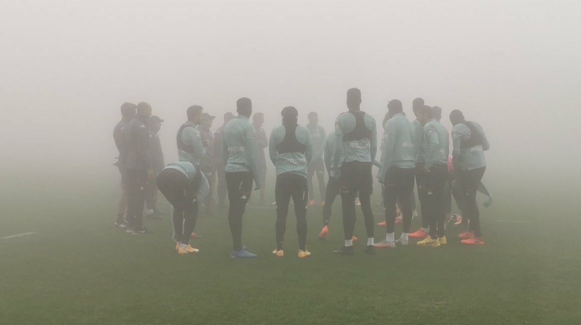 La Turbie sous le brouillard