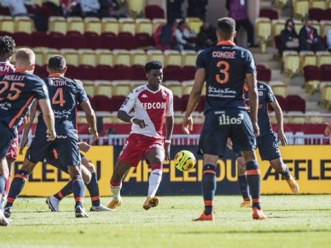 Empate diante da forte defesa do Montpellier
