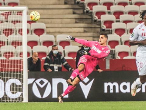 """Vito Mannone : """"Le gardien moderne doit savoir jouer au pied"""""""