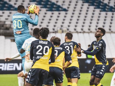 «Монако» уступает «Марселю» с разницей в один мяч