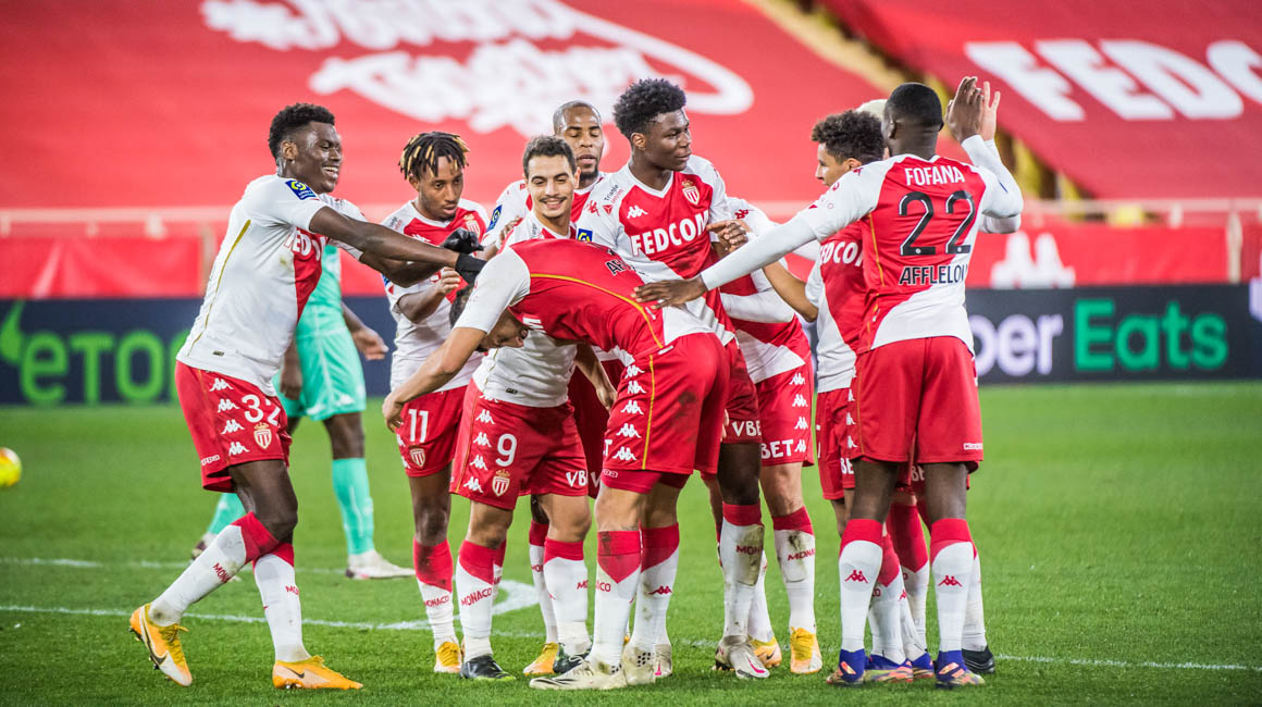 The Rouge et Blanc put on a show against Angers