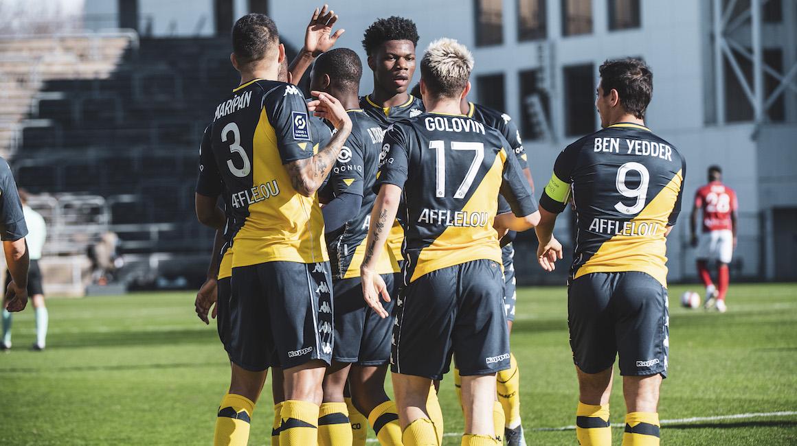 O AS Monaco vence a 7ª em Nîmes