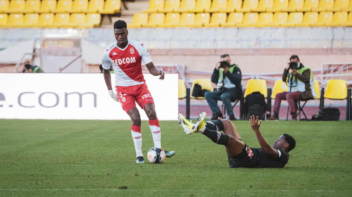 L'AS Monaco souhaite un joyeux anniversaire à Benoît Badiashile