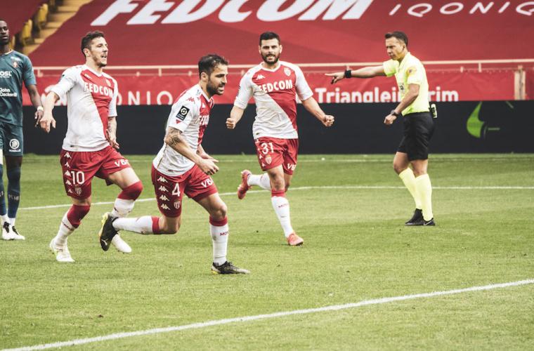 """Cesc Fàbregas: """"Aún no está asegurado el cuarto puesto"""""""