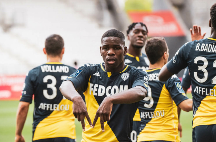 Eliot Matazo, MVP by IQONIQ face au Stade de Reims