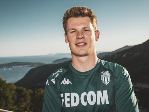 Alexander Nübel chega ao AS Monaco