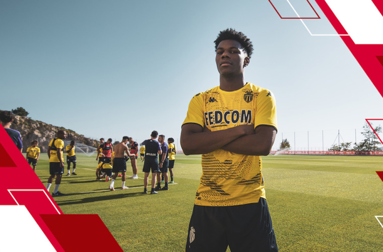 The 2021-2022 training kit: On sale now!