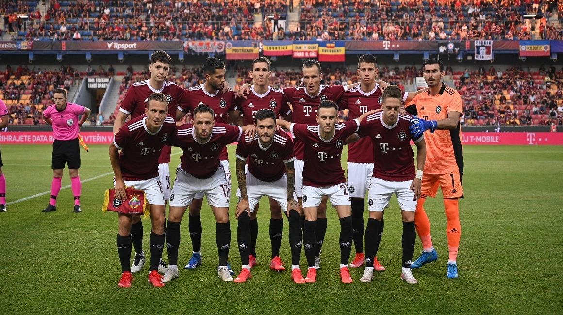A apresentação do Sparta Praga, pelo @footballskiFR