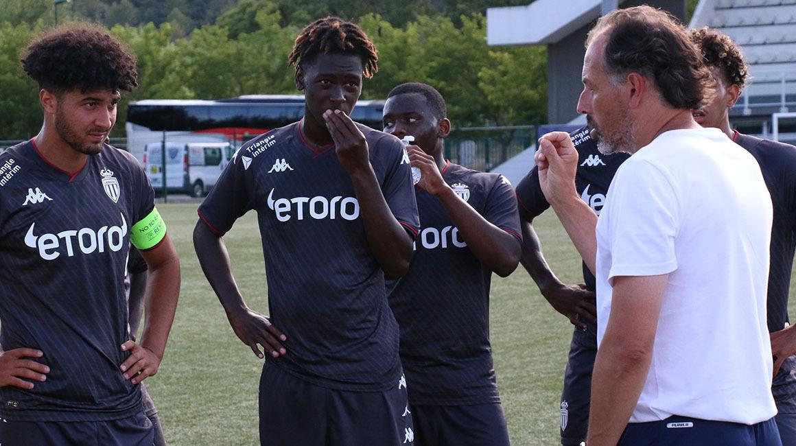 """Stéphane Nado : """"Se rapprocher de l'exigence de l'équipe première"""""""