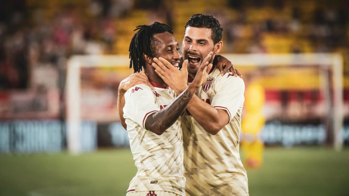 Gelson Martins eleito o MVP contra o Sparta Praga