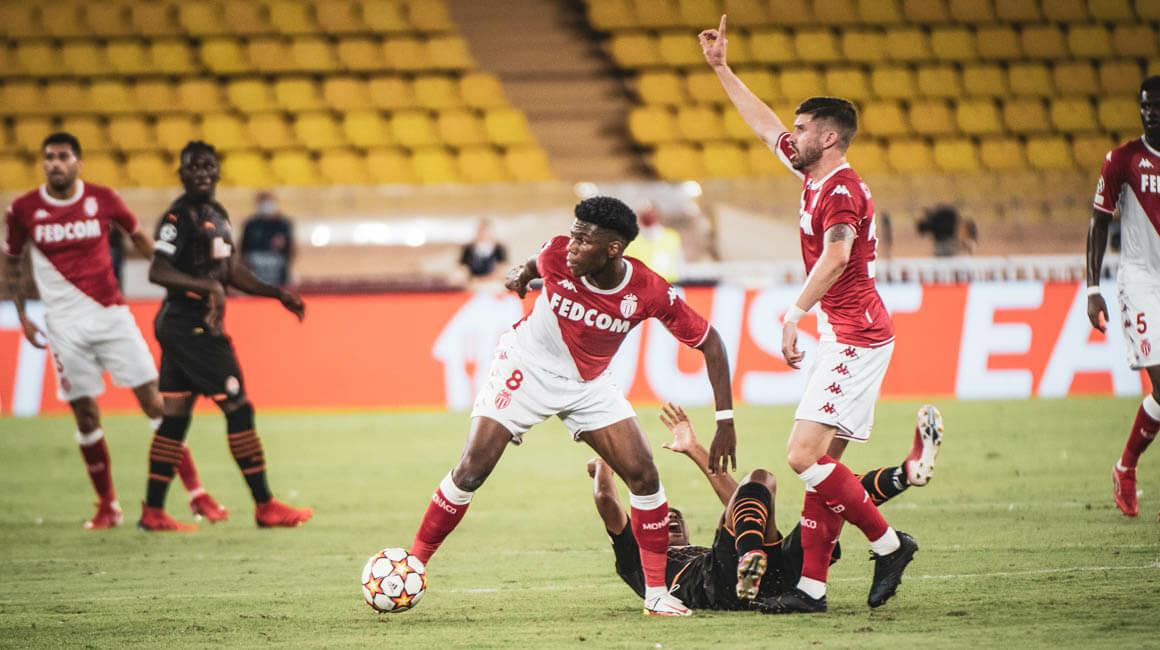 L'AS Monaco défait mais toujours en course pour la qualification