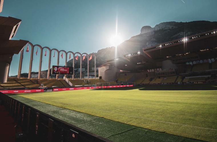 Quelles sont les règles à respecter au Stade Louis-II face à Prague ?