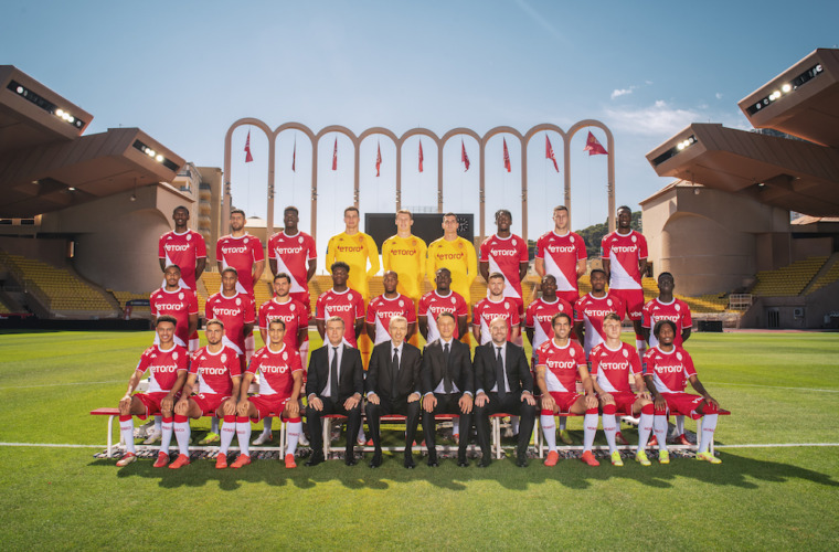 AS Monaco present the official 2021-2022 team photo!